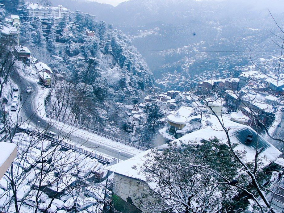 Mercury drops below freezing point in Manali, kinnaur