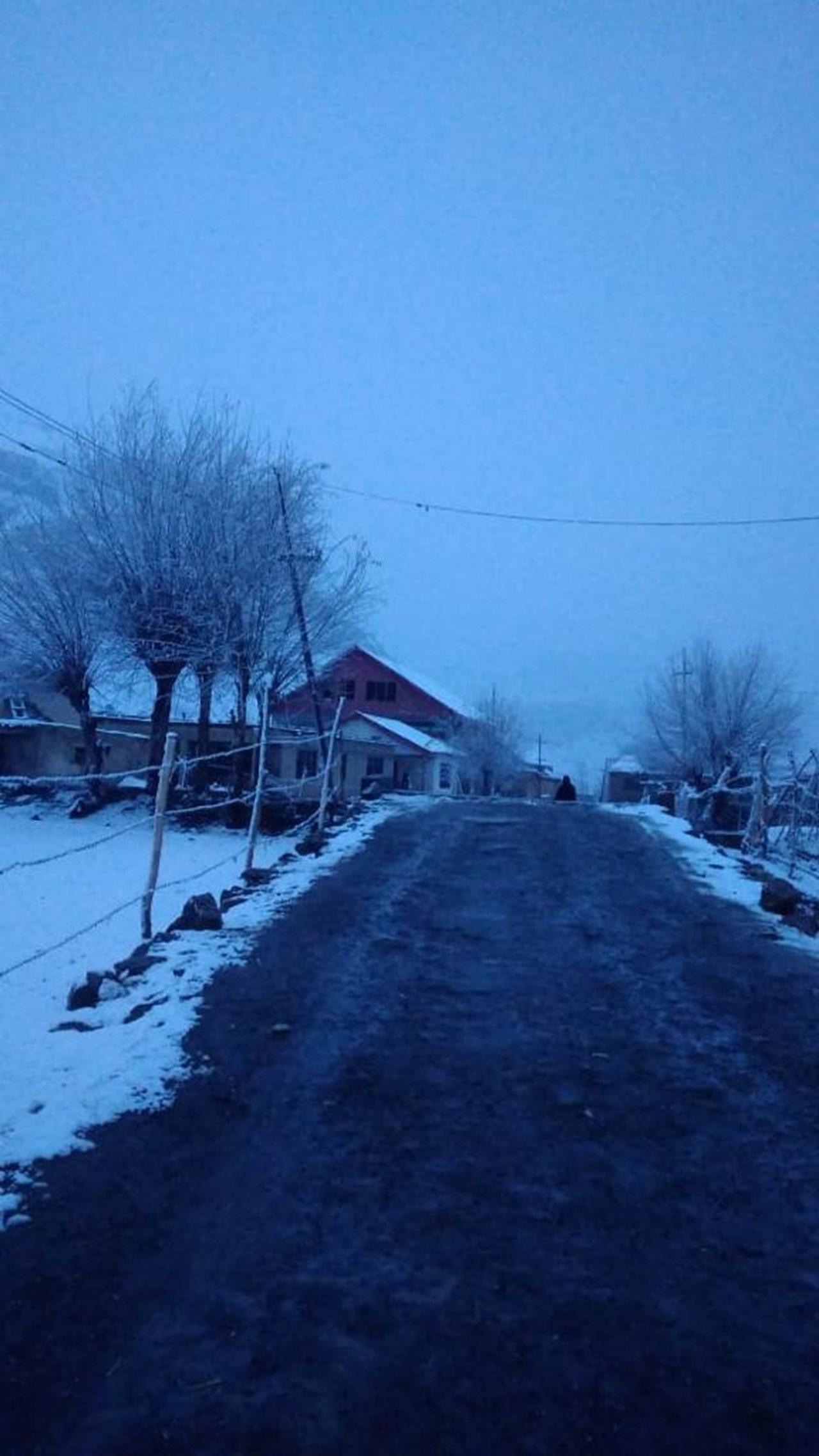 Snowfall, rains covers valley
