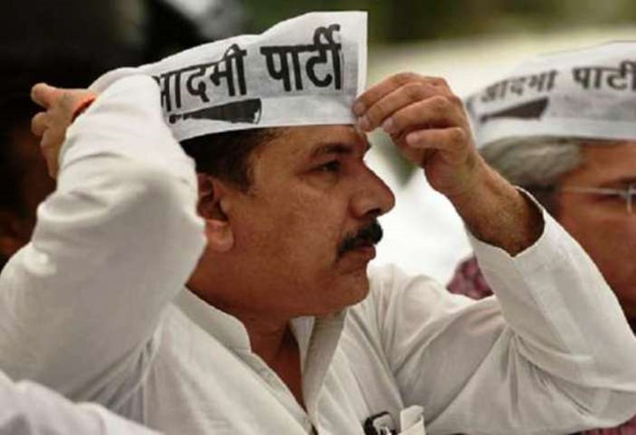 Instead of installing statues, govt should focus on key issues: AAP