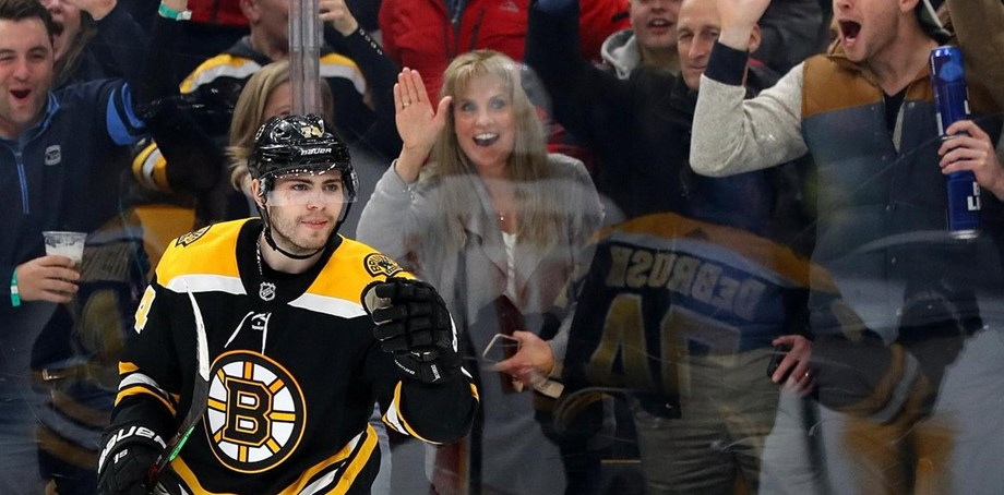 DeBrusk, Marchand lead Bruins over Flames