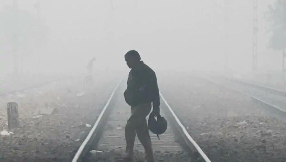 Eleven trains delayed as fog drops visibility across Delhi