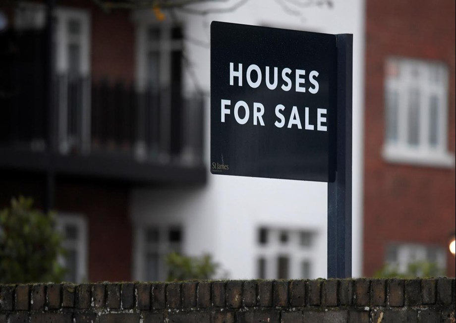 British annual house price growth slows, falls unexpectedly in monthly terms