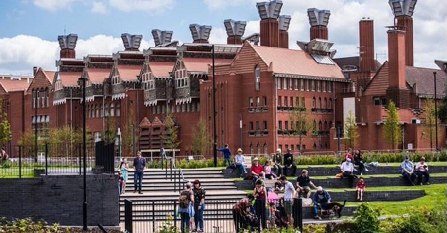 Ahead of Brexit, top British universities enrol fewer EU students