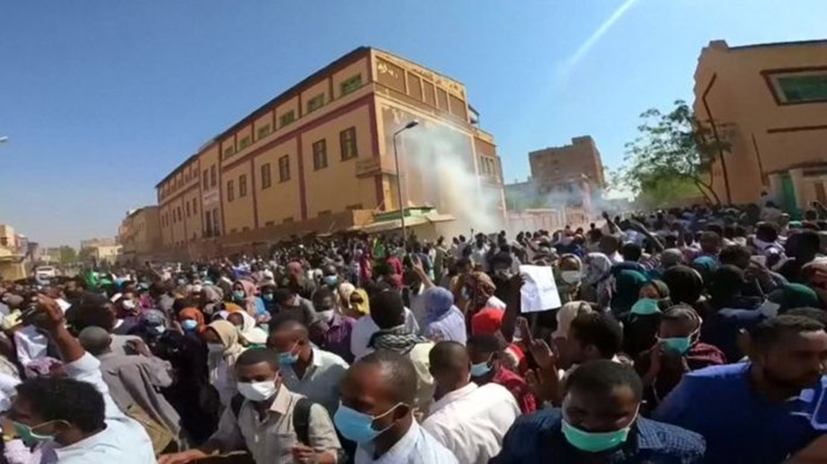 Anti-government protests continue in Sudan despite crackdown by authorities