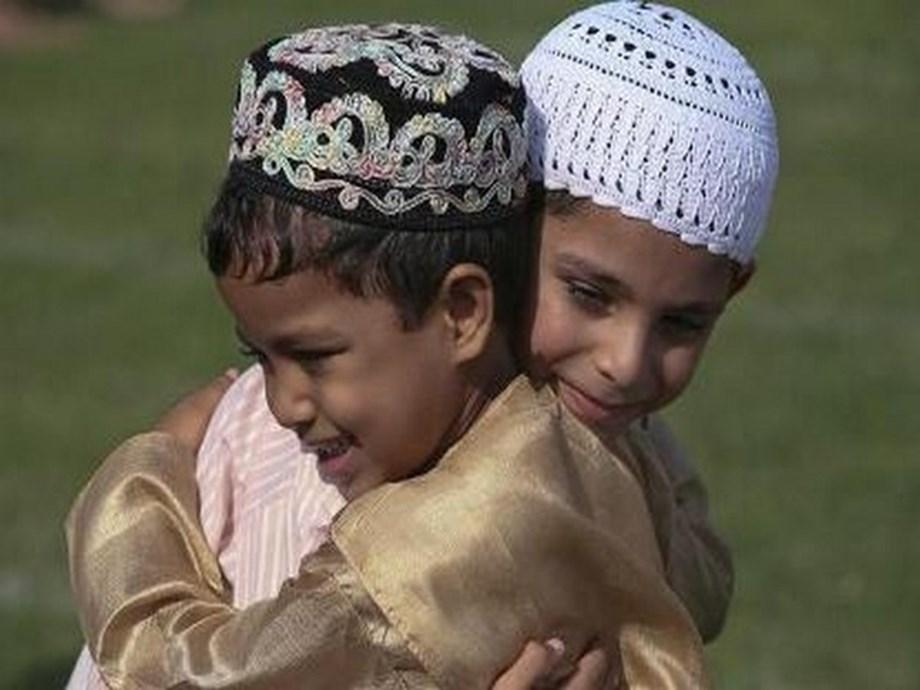 Palestinians begin Eid festivities on different day to Saudi Arabia