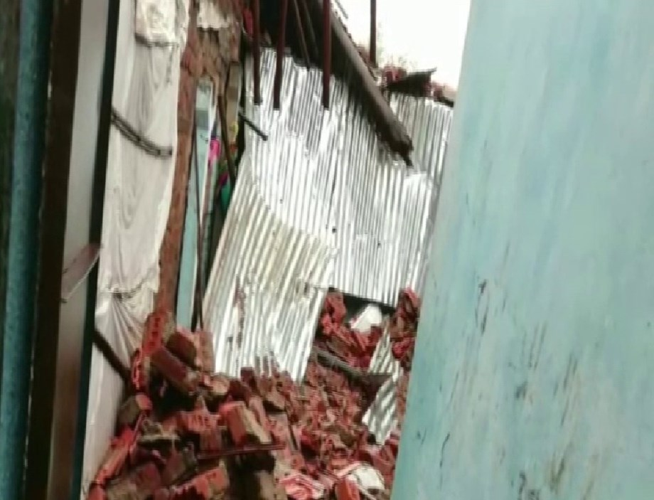 Gujarat: 3 sisters killed in wall collapse in Bharuch, parents injured