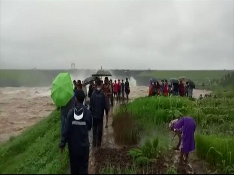Daman and Diu: Water release from Madhuban Dam creates flood-like situation in several parts