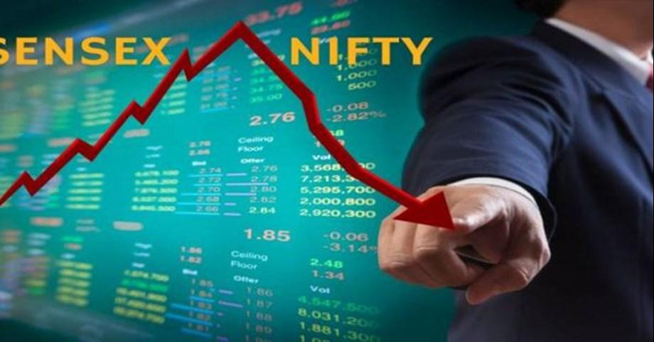Sensex tumbles 468 pts as Re hits a lifetime low of 72.67