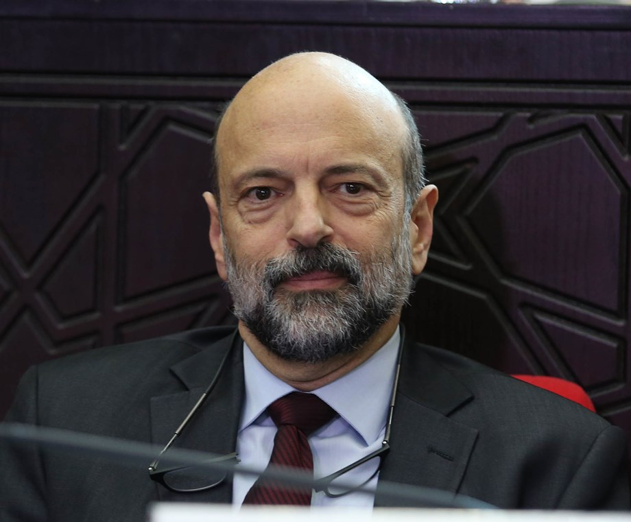 In major reshuffle, Jordan PM moves to push IMF-led economic reforms