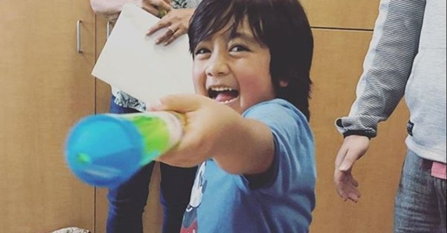 7-year-old earns $ 22 mn, highest paid YouTube star