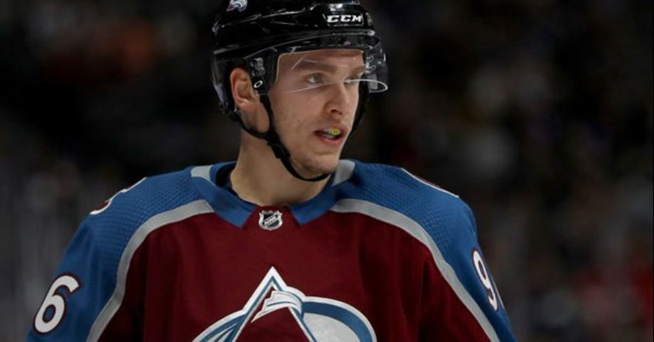MacKinnon, Rantanen lead Avalanche over Rangers