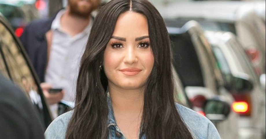 Demi Lovato shares fat shaming ad on Instagram, says can be pretty at any weight