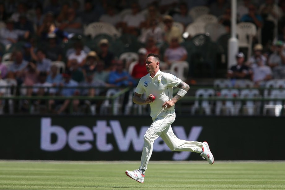 Steyn, Rabada strike early blows as Pakistan starts second innings