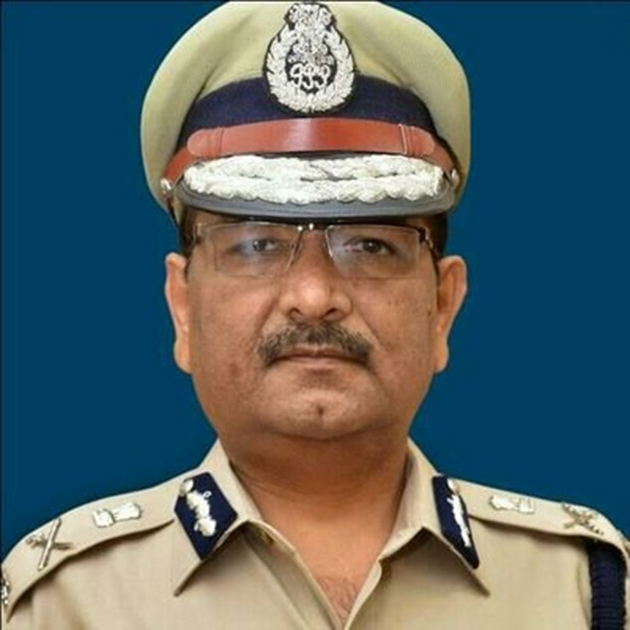 Goa DGP Muktesh Chander compares himself to Galileo over helmets wearing norms
