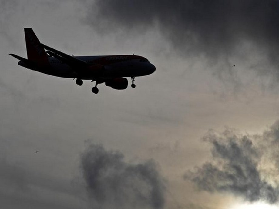 London-Gatwick resumes flights after disruption for nearly two hours