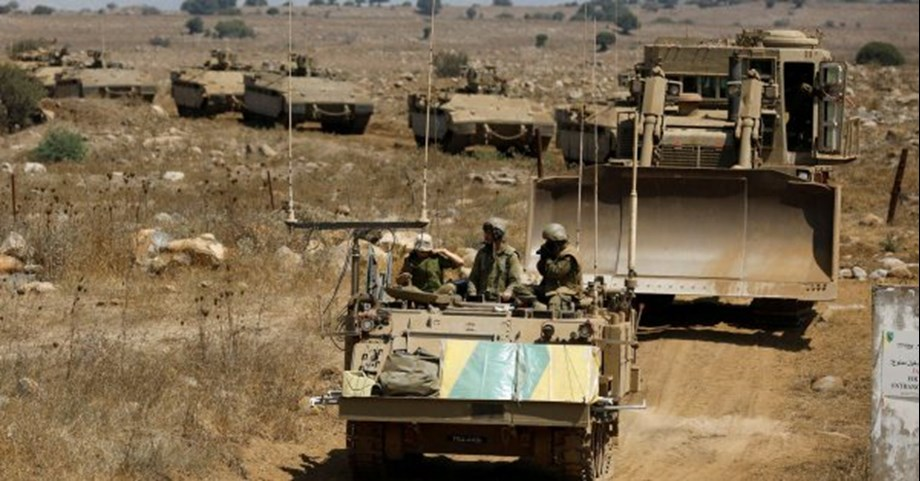 Israeli soldiers shot dead a Palestinian man, wounded dozens