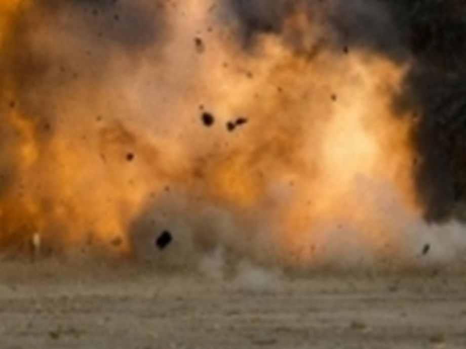 UPDATE 1-Blasts rock Cyprus ammunition depot, some slightly injured-minister