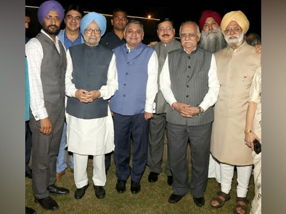 Dr Manmohan Singh launches KTS Tulsi's Mother - Late Baljit Kaur Tulsi's Poetry Collection