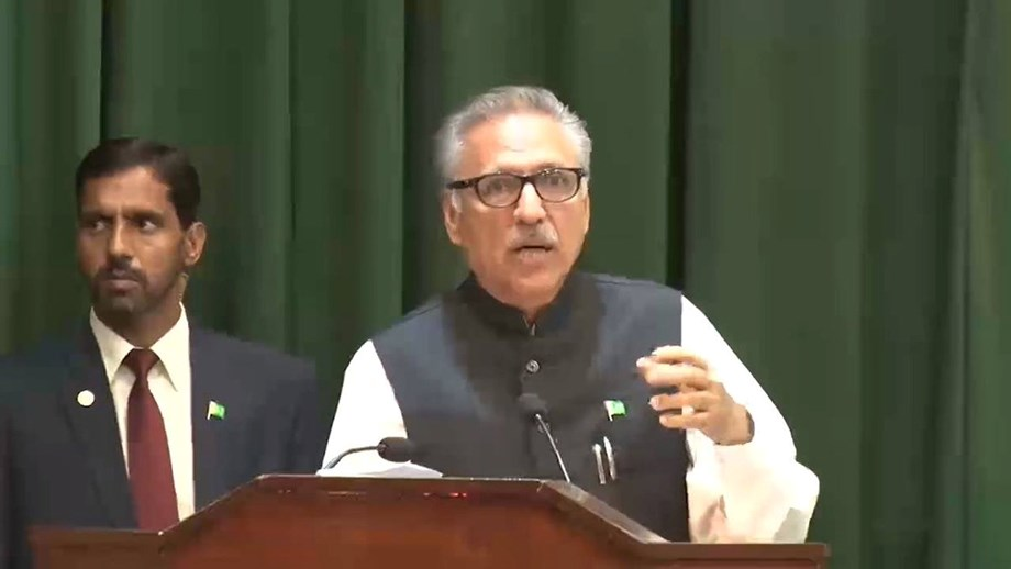 Alvi instructs officials to resolve nationality issue of 5-month old baby