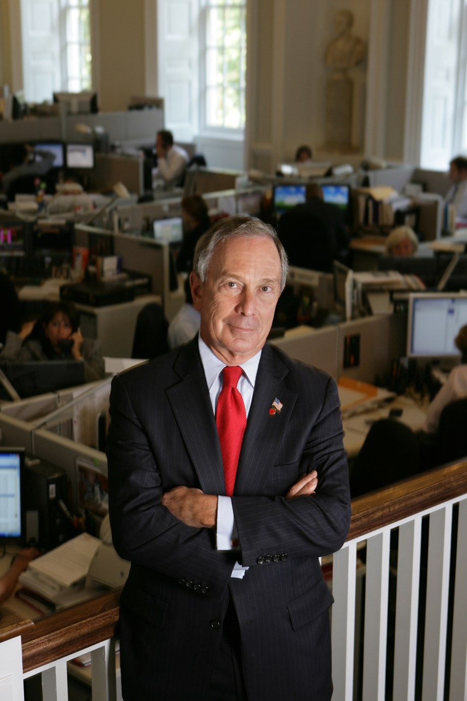 UPDATE 2-Bloomberg faces big challenges if he leaps into 2020 White House race