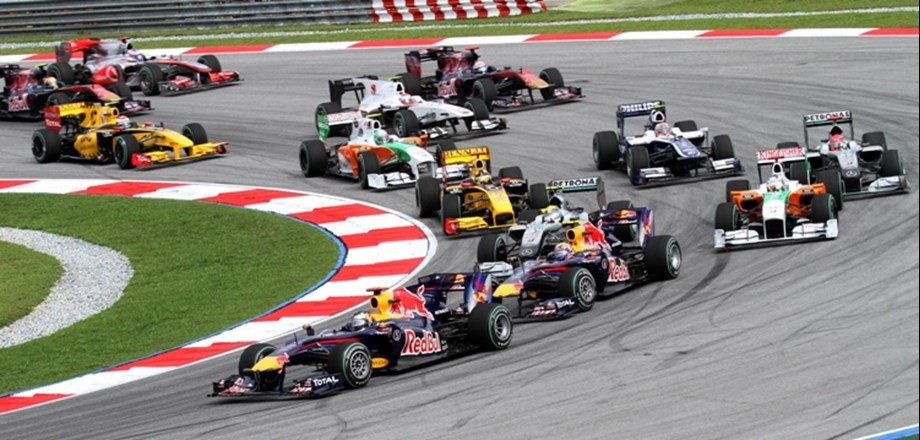 UPDATE 1-Motor racing-Formula One link-up boosts all-female W series