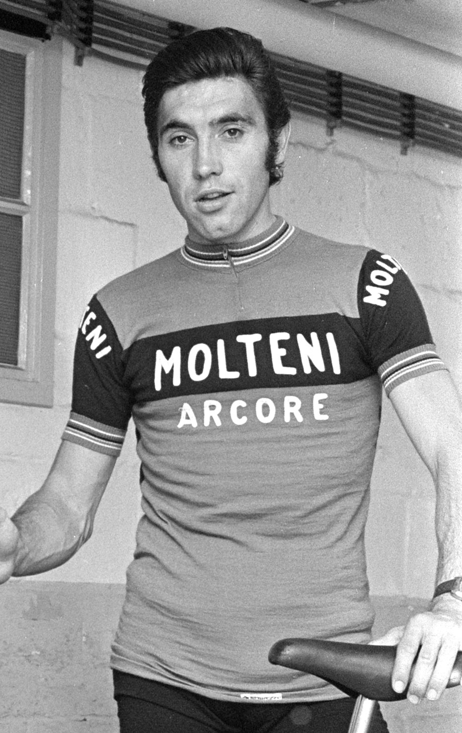 Cycling-Belgian great Merckx gets 106th Tour under way