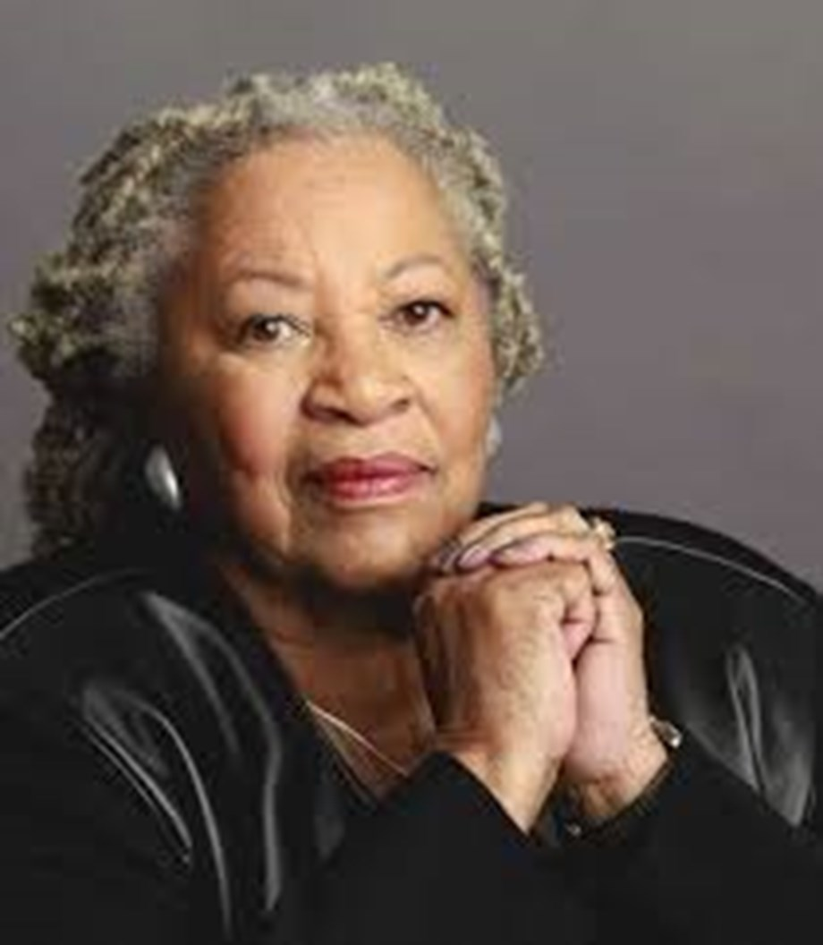 Barack Obama, Beyonce, others react to Toni Morrison's death