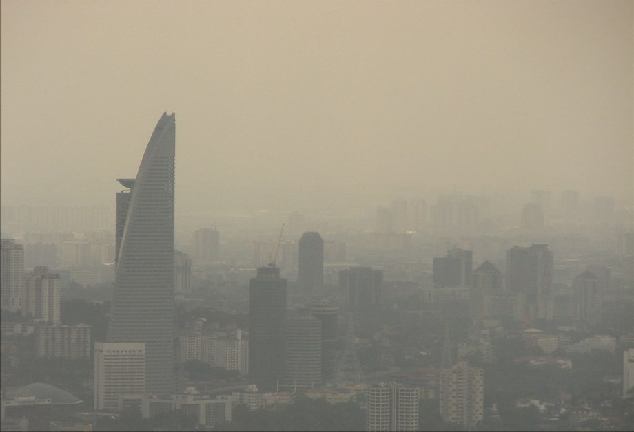Singapore smog worst in 3 years as forest fires rage