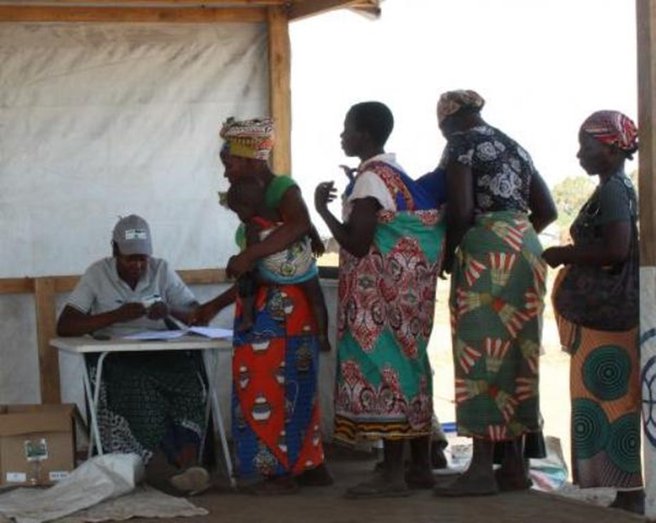 FAO and IOM begin distributing seeds and tools to Idai