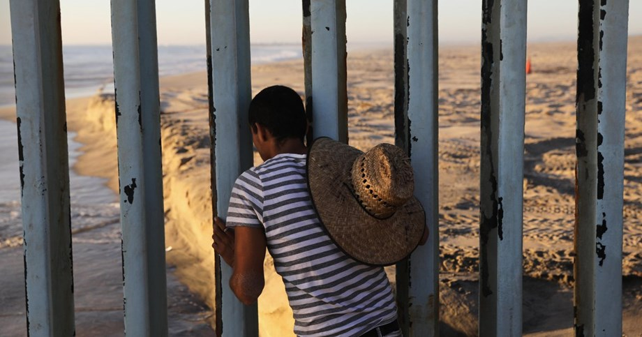 US officials close border crossing after migrants attempt to breach fence from Tijuana
