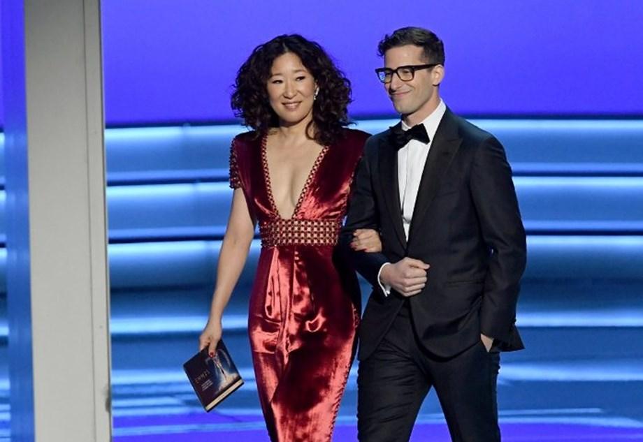 UPDATE 1-Sandra Oh, Andy Samberg to co-host 2019 Golden Globe Awards