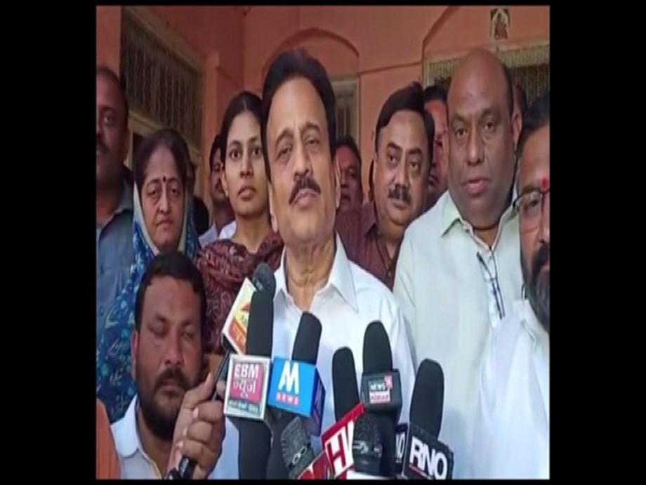 Leaders in Maha Vikas Aghadi not happy among themselves, says BJP's Girish Mahajan