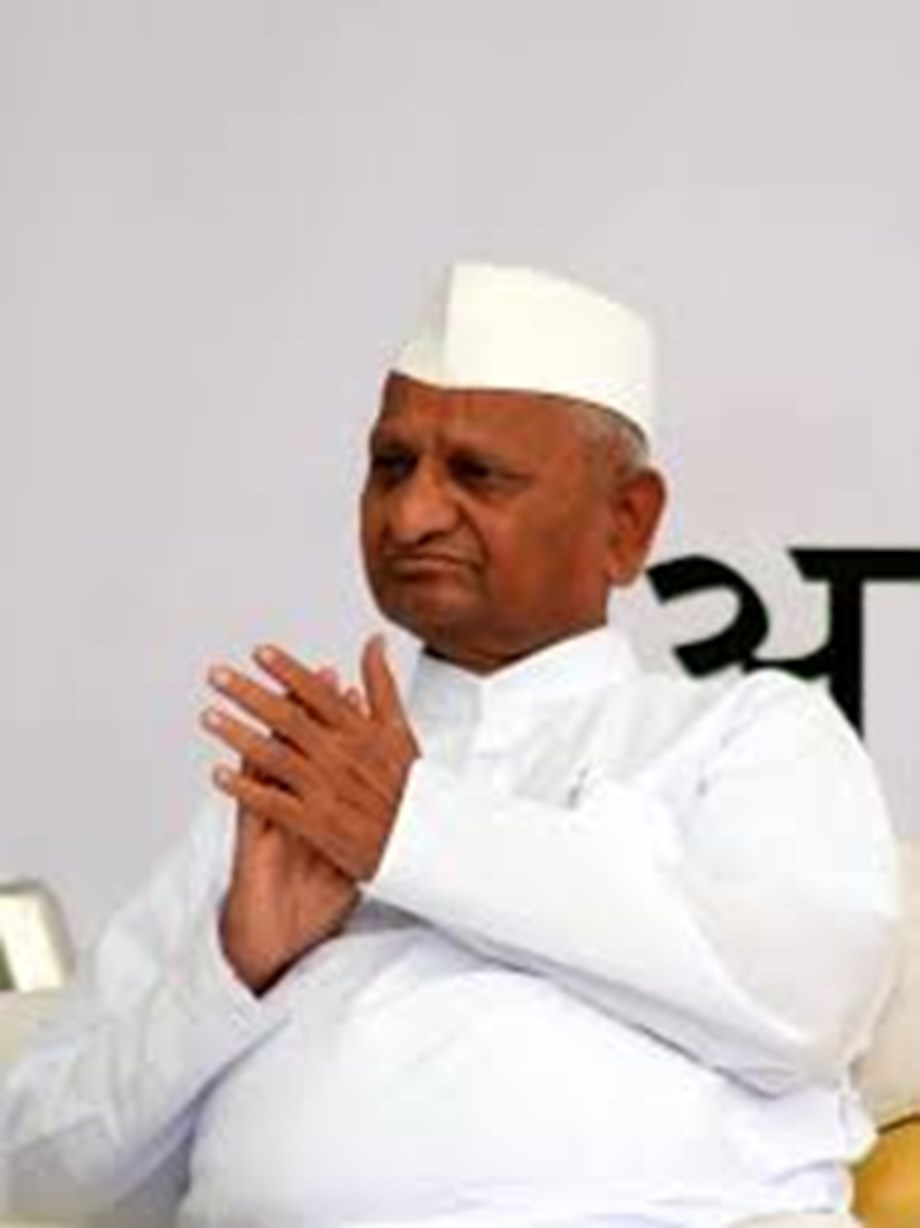 Social activist Anna Hazare admitted to hospital for lack of blood supply to brain