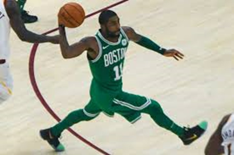 Report: Celtics PG Irving 'preparing to sign' with Nets