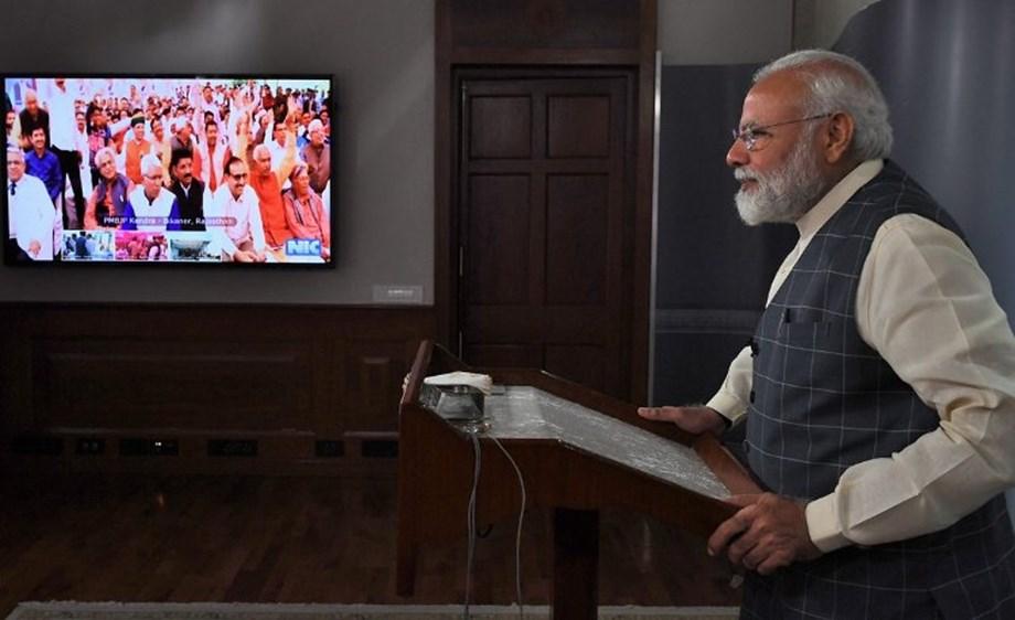 Rahul Gandhi ridicules PM Modi after declaration of 'Main bhi Chowkidar' pledge