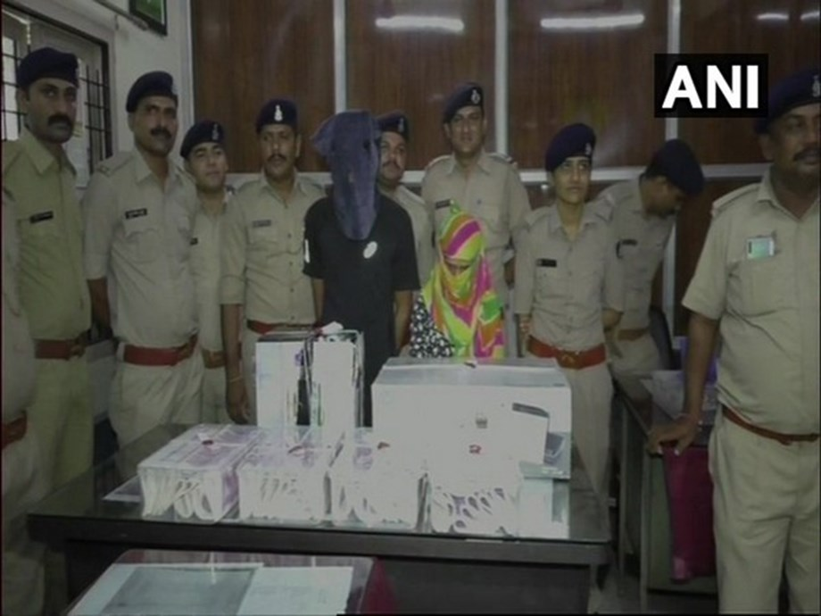 Surat: Fake currency notes worth over Rs 85 lakh seized, 2 arrested