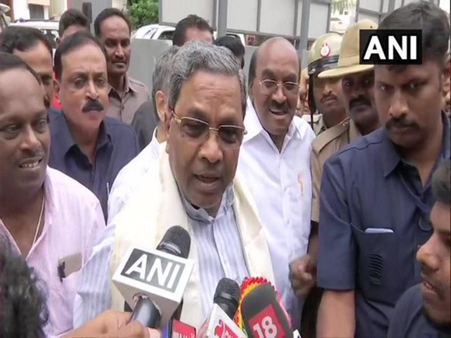 Karnataka crisis: Senior Cong leader blames Siddaramaiah, calls him 'thief inside party'