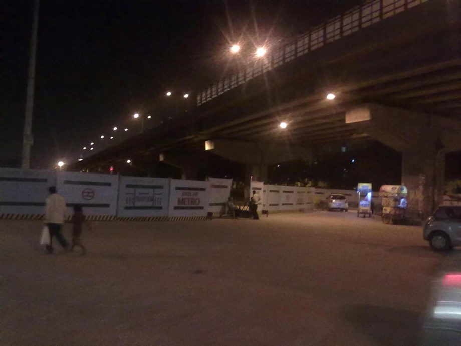 Noida commuter woes: People use poor-lit under-construction road to reach nearby Delhi Metro station