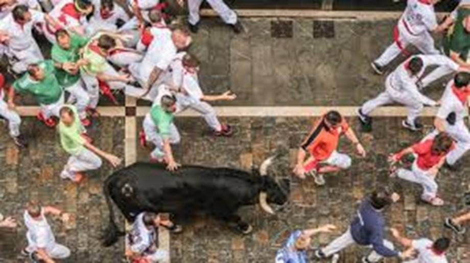 One man gored on first day of Spanish bull-running festival
