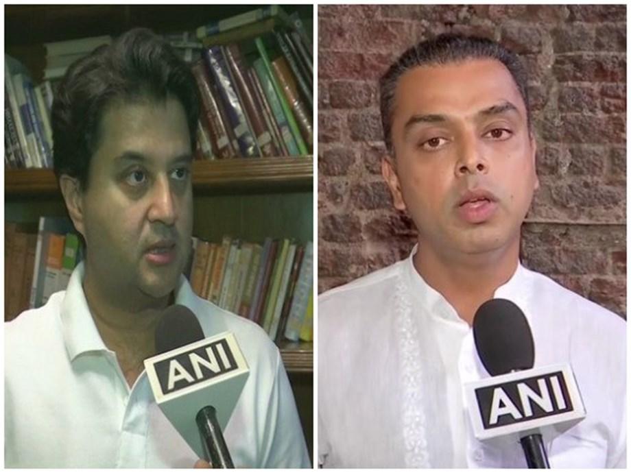 POLITICS-Congress leaders Scindia, Deora quit their respective posts