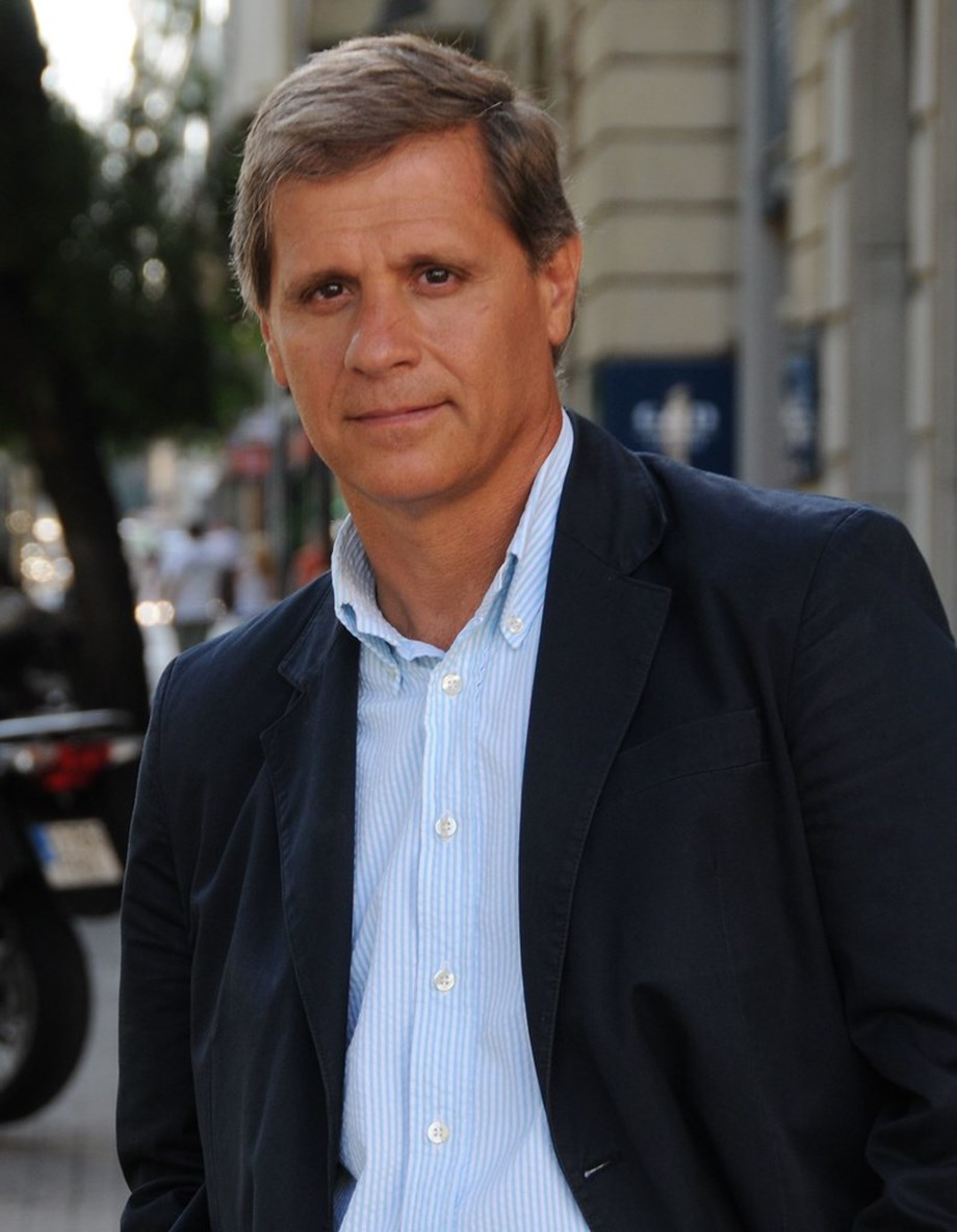 Argentina presidential front-runner 'fine' with FX rate at 60 pesos to the dollar
