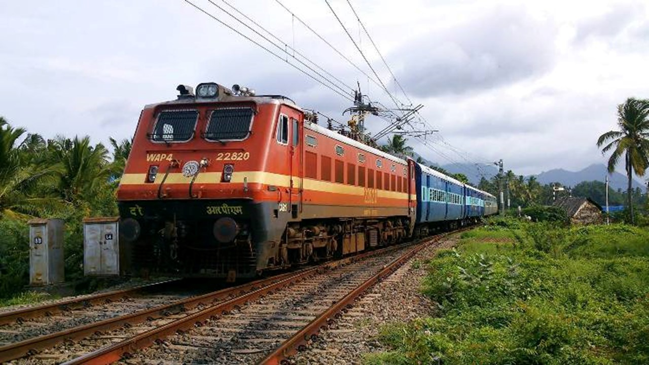 Railways to reserve 6 more berths in AC 3 tier for women