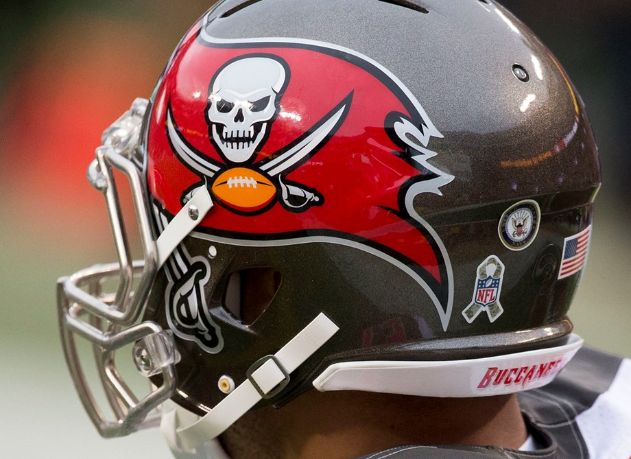 Bucs' Arians passes on discussing Winston's future