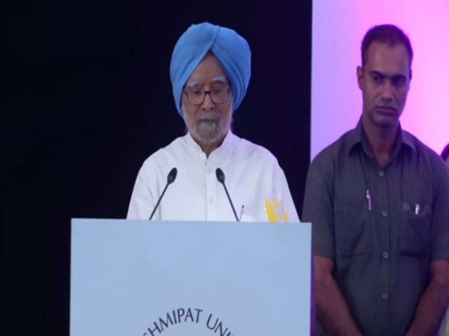 Democracy increases growth, India needs well-conceived strategy to be 5 trillion dollar economy: Manmohan Singh