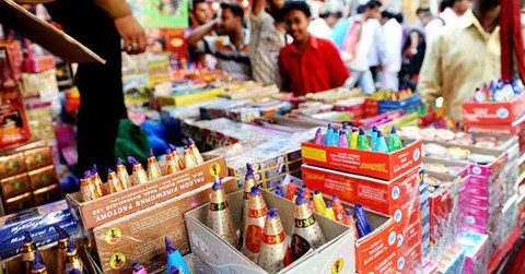 TN people to burst crackers between 6 am-7am & 7pm-8pm