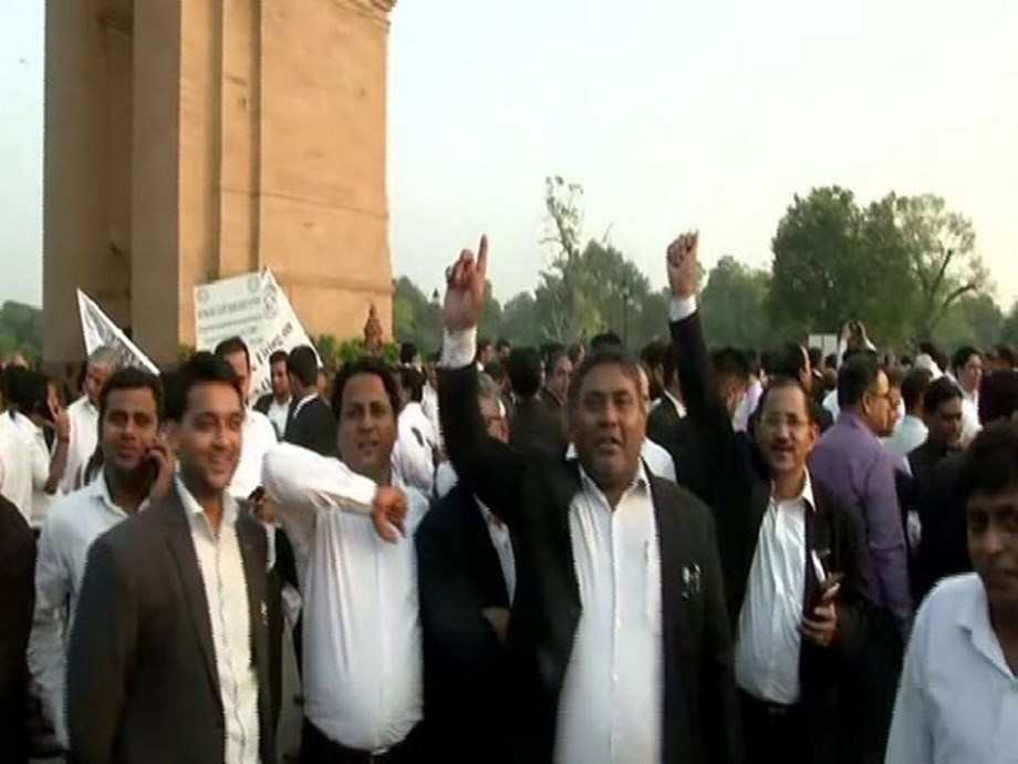 Retd cop-turned-lawyer caught in crosshairs after Tis Hazari clash