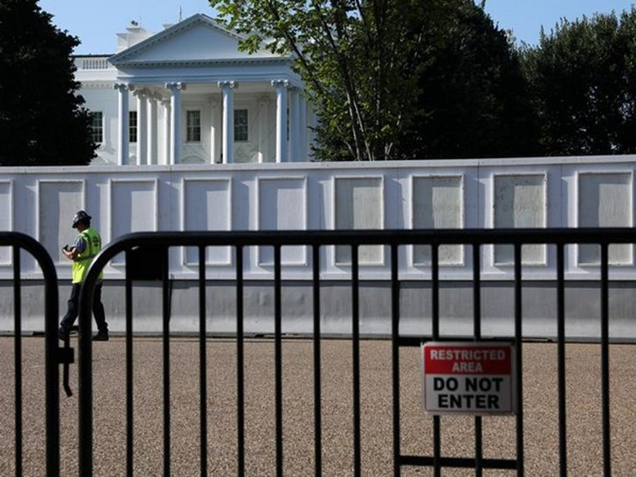Security beefed up around White House amid Iran threat