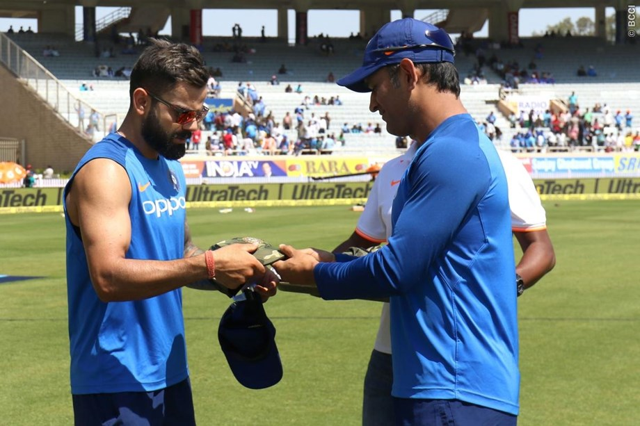 Injury scare for India, skipper Kohli hurts thumb during training