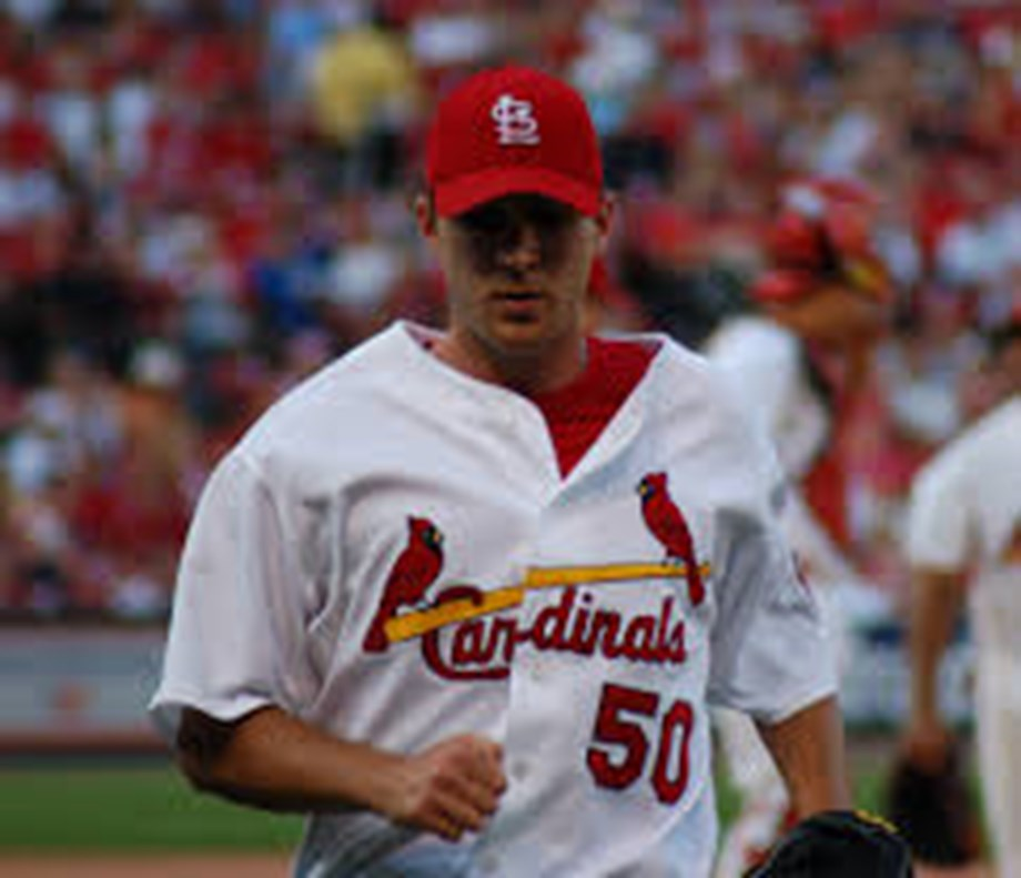 Cardinals' Wainwright scratched due to back spasms