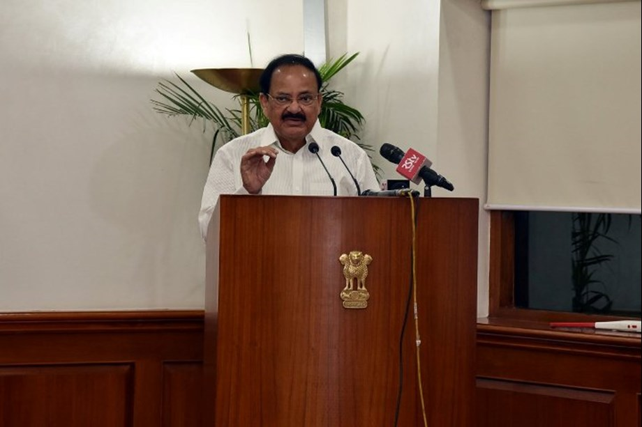 Let us salute valiant freedom fighters, VP Naidu says on Independence Day